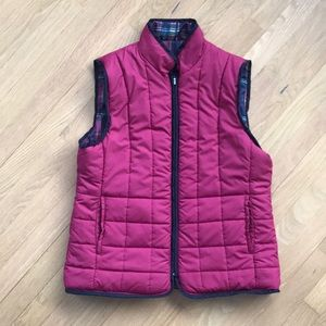 IZOD down reversible vest pockets